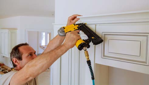 Factors to Consider When Buying a Nail Gun For Shiplap